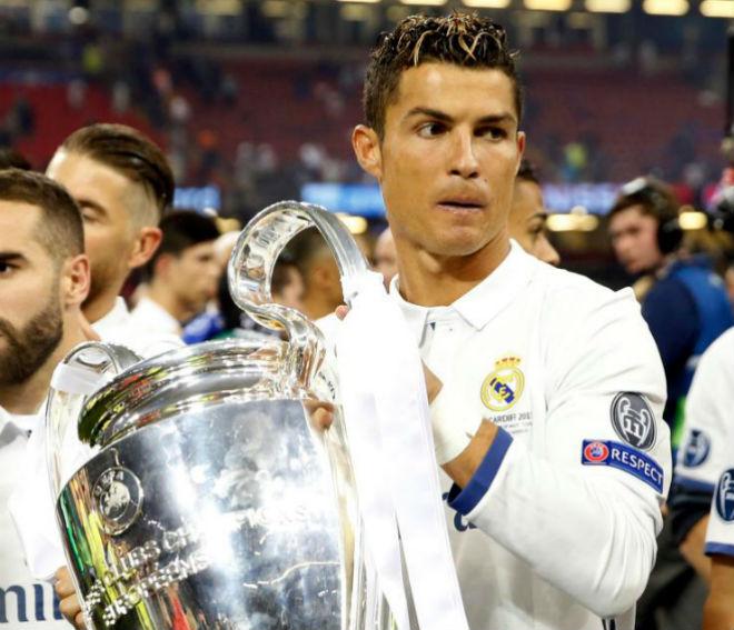 MU & PSG đấu giá Ronaldo: Real chào bán 180 triệu euro - 1