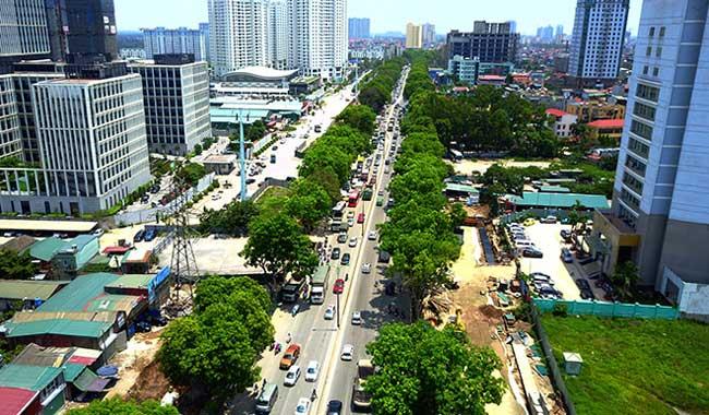 Ngày 6/6, Sở Xây dựng Hà Nội cho biết việc chặt hạ, di dời 1.300 cây xanh trên đường Phạm Văn Đồng mới chỉ là đề xuất.