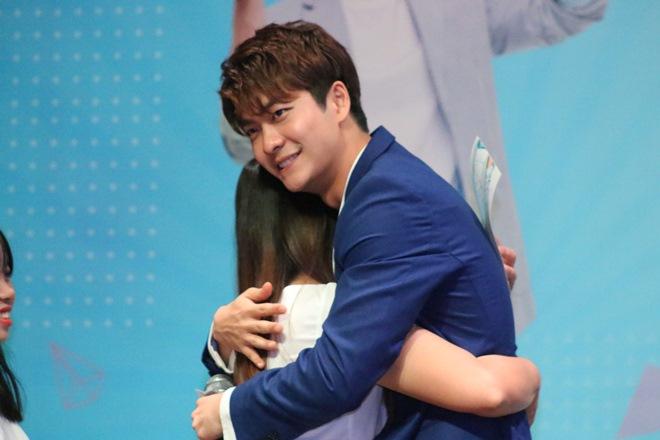 """Kang Tae Oh khiến mẹ bỉm sữa """"sướng rơn"""" sau khi vượt 2.000 km - 6"""