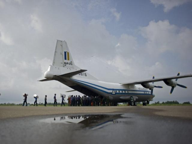Tìm thấy thi thể nạn nhân máy bay chở 122 người rơi ở Myanmar - 3