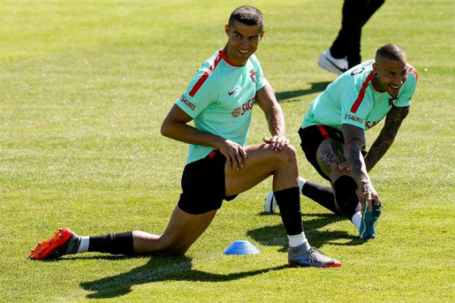 Ronaldo được rao bán cho MU: Vì Real đã có người thay thế - 5