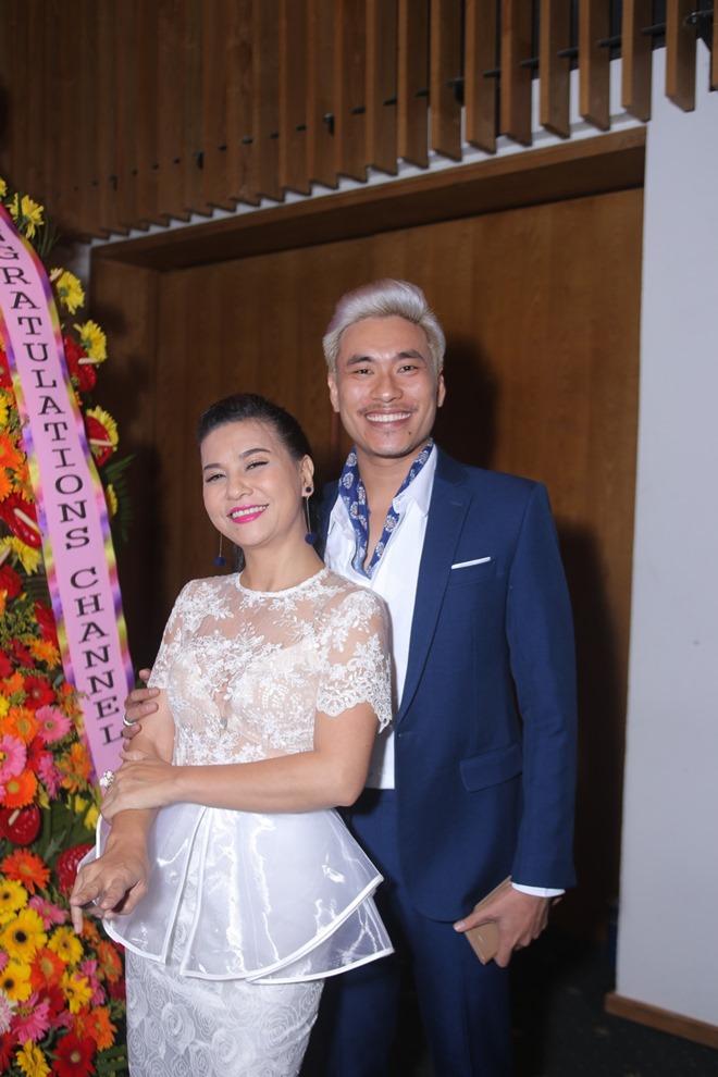 Huỳnh Anh, Hoàng Oanh ngồi bên nhau thân mật hậu chia tay - 9