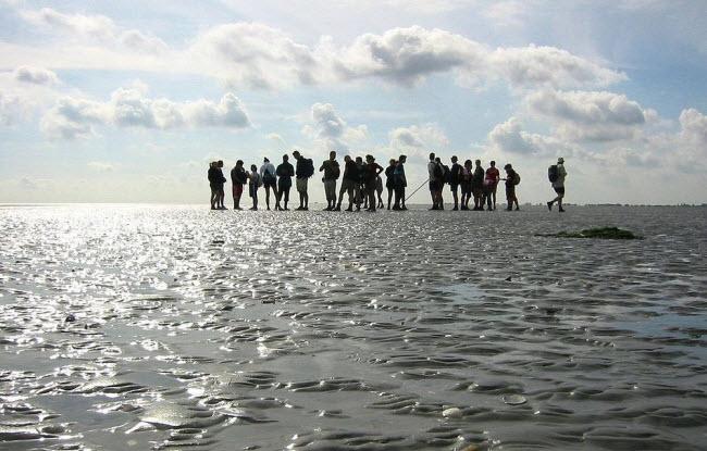 Kỳ lạ vùng biển biến mất hai lần một ngày - 1