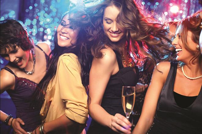 Con gái hay đi bar, club dễ thành công trong cuộc sống - 2