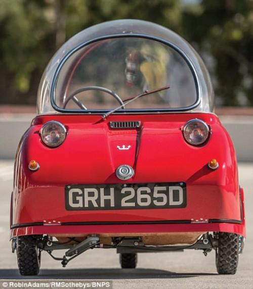 Độc đáo chiếc ô tô nhỏ nhất thế giới Peel Trident giá 2,3 tỷ đồng - 2