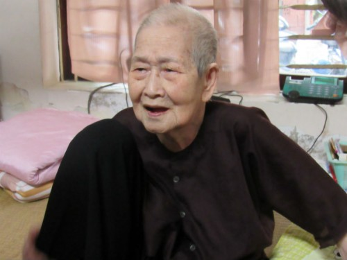 "Cụ bà 93 tuổi ""sành internet nhất VN"" qua lời kể của con dâu - 1"