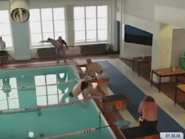 """Michael Phelps đối đầu cá mập trắng bên đường đua """"chết chóc"""" - 3"""