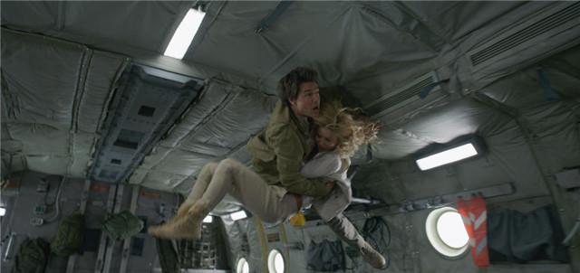"""Tom Cruise phải diễn 64 lần một cảnh """"Xác ướp"""" dù là sao hạng A - 9"""