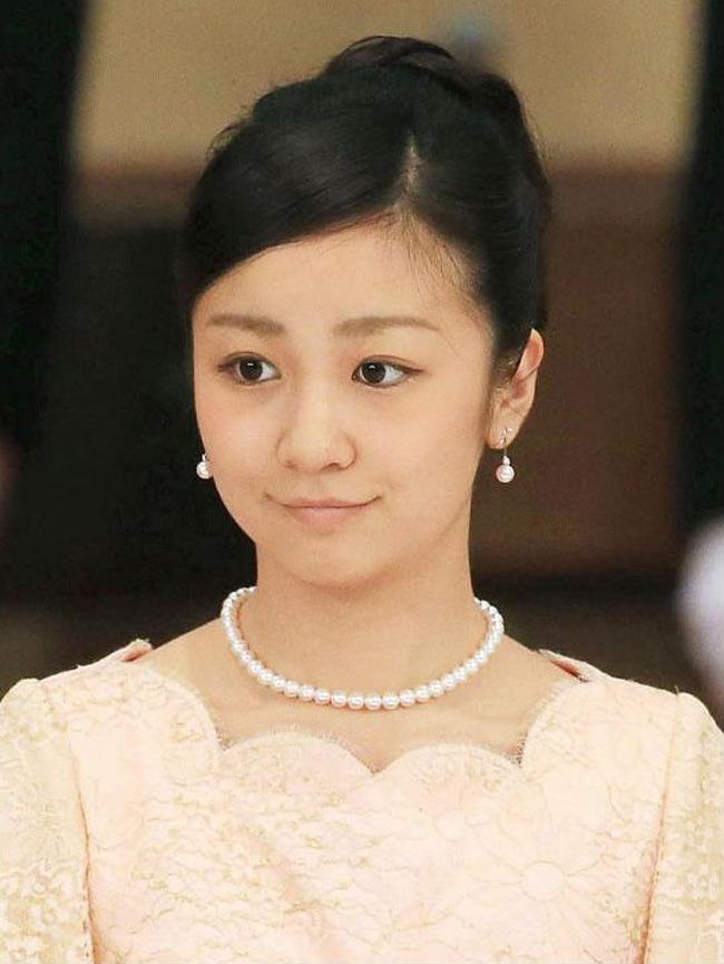 Cô nổi tiếng là một trong những vị công chúa xinh đẹp nhất của Hoàng gia Nhật Bản.
