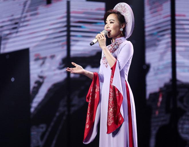 """Mr. Đàm nằm dài ngắm Ngọc Sơn """"phát điên"""" trên sân khấu - 7"""