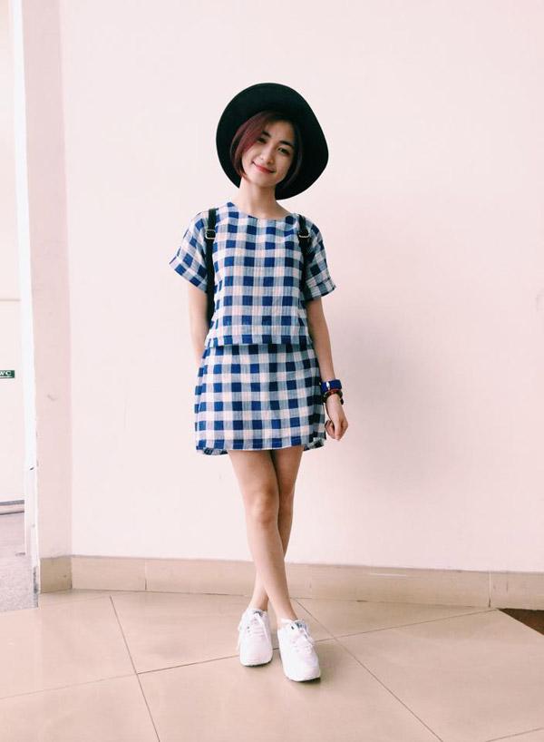 Hòa Minzy khoe style học sinh cực đáng yêu - 4