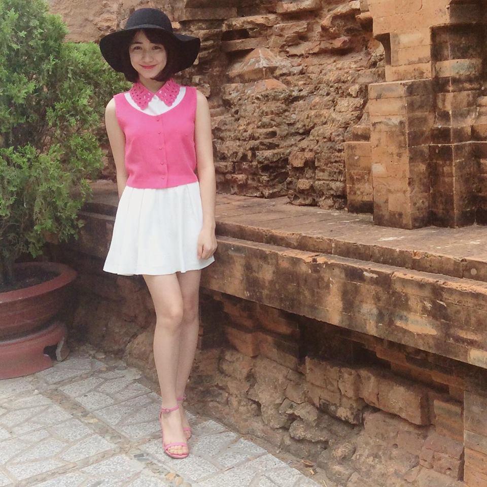 Hòa Minzy khoe style học sinh cực đáng yêu - 13