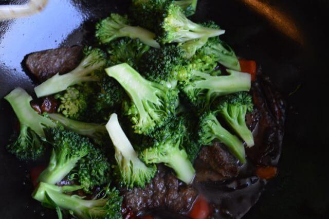 Thịt bò sốt cam lạ miệng đưa cơm - 4