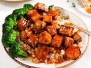 Ăn chay ngày rằm với đậu phụ sốt chua cay cực hao cơm
