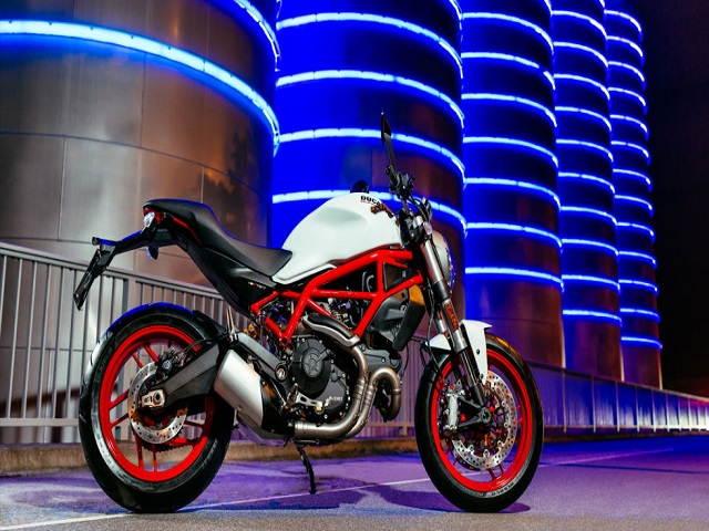 Top 12 mô tô đáng mua nhất trong năm 2017