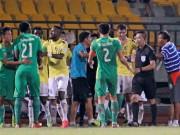 """Bóng đá - V-League 2017: Trọng tài """"vô cảm"""""""
