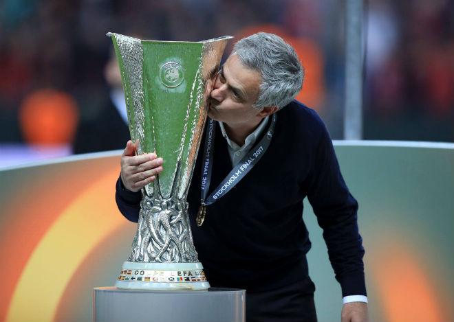 MU: Mourinho - Sir Alex, sự tương đồng của 2 bộ óc vĩ đại - 2