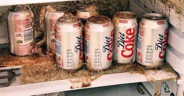 Bàng hoàng vì người chết, bị thương do tủ lạnh kêu, lon nước đặt sai chỗ - 2