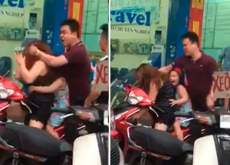 Clip: Cô bé khóc thét vì mẹ bị người đàn ông đánh dã man giữa đường - 1