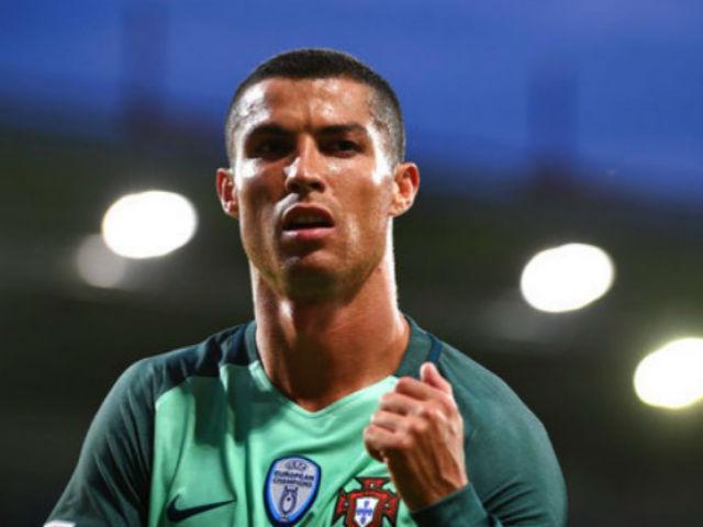 """Ronaldo bị tố trốn thuế, vẫn có thì giờ """"đò đưa"""" siêu mẫu - 3"""
