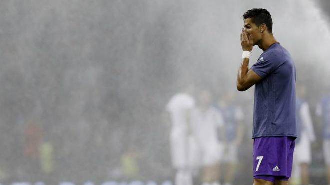 Ronaldo thu nhập 2400 tỷ: Vẫn 4 lần trốn thuế, sắp lĩnh án tù 7 năm