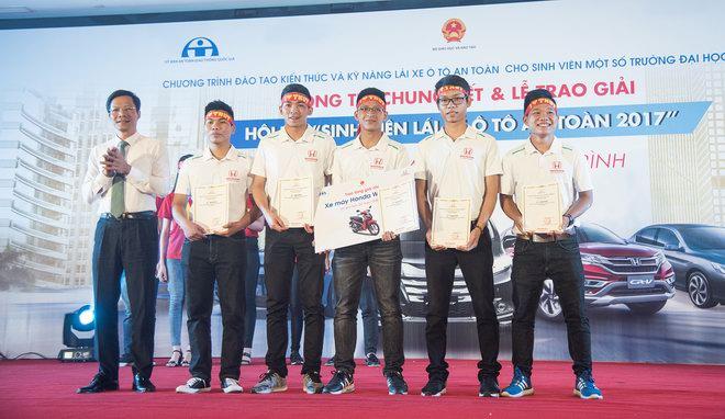 Thắng cuộc thi ôtô, sinh viên Thái Nguyên được đi Nhật - 7