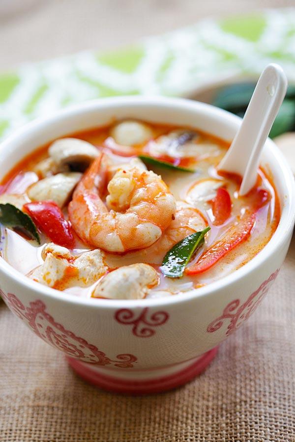 Cách làm súp tôm thịt nước dừa kiểu Thái ngon không cưỡng nổi - 2