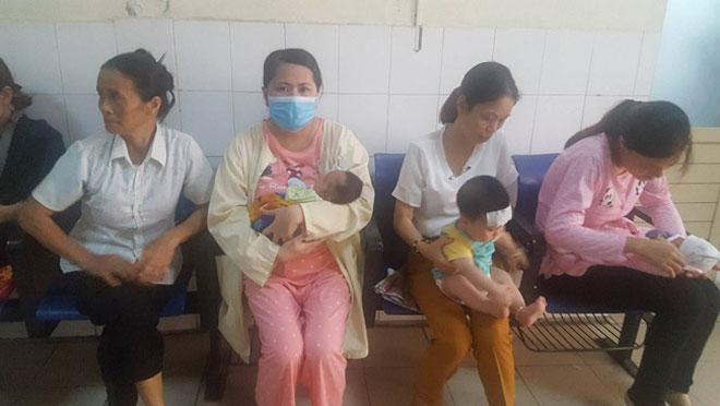 Trẻ 26 tháng tuổi liệt mặt vì dùng điều hòa sai cách - 1