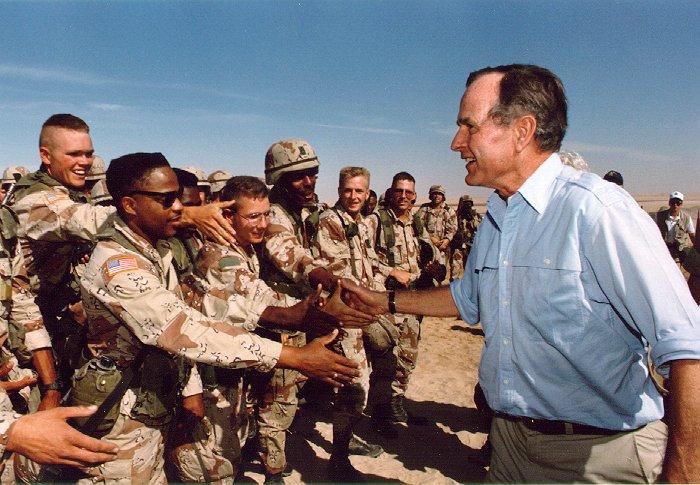 """Chiến tranh vùng Vịnh: """"Bão táp sa mạc"""" vùi dập Iraq - 3"""