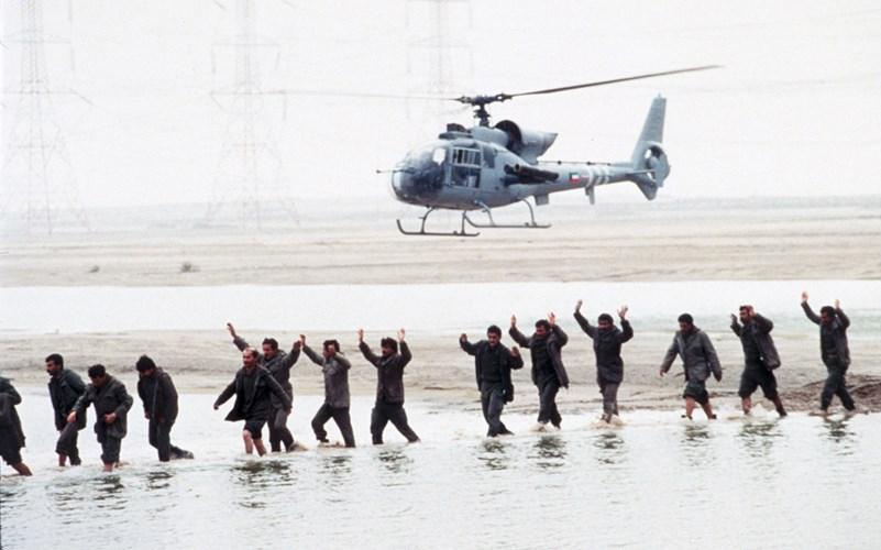"""Chiến tranh vùng Vịnh: """"Bão táp sa mạc"""" vùi dập Iraq - 7"""