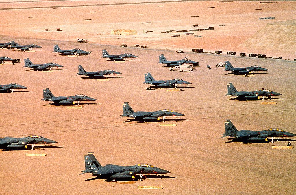 """Chiến tranh vùng Vịnh: """"Bão táp sa mạc"""" vùi dập Iraq - 5"""