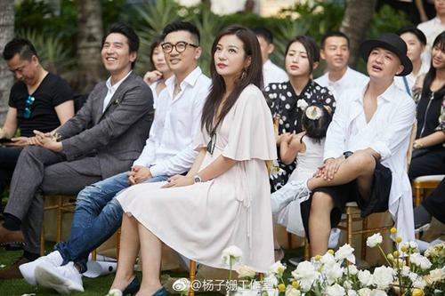 Đi dự đám cưới, Triệu Vy xinh hết phần cô dâu - 4