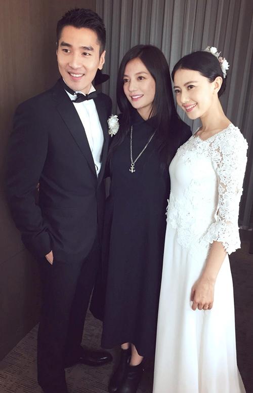 Đi dự đám cưới, Triệu Vy xinh hết phần cô dâu - 12