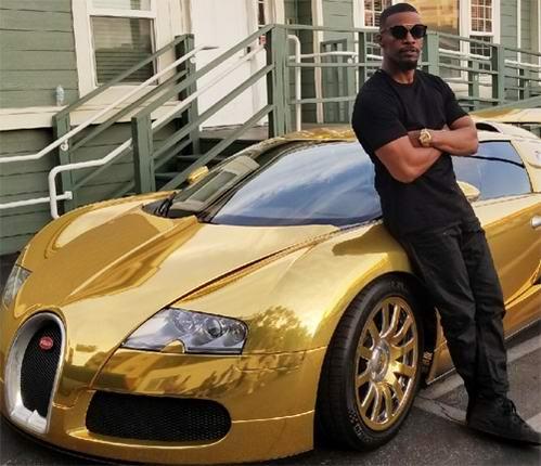 Sao 'Người nhện 2' biến siêu xe Bugatti thành thỏi vàng di động - 1