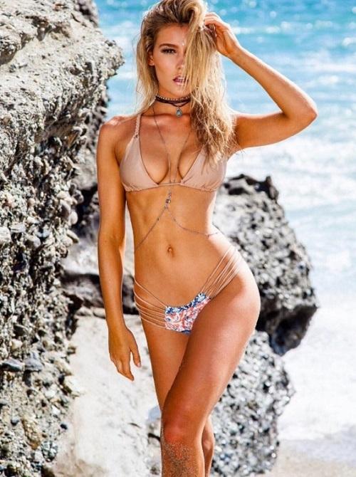 Bồ đẹp của siêu sao Liverpool mê bikini tí xíu chỉ đủ che chỗ hiểm - 9