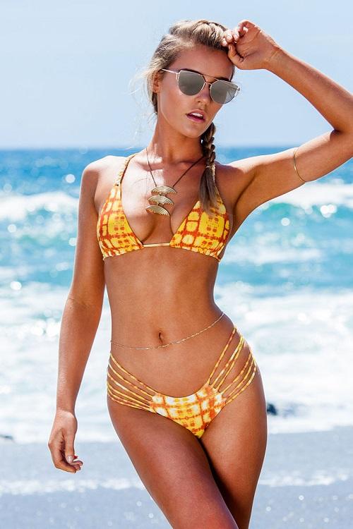 Bồ đẹp của siêu sao Liverpool mê bikini tí xíu chỉ đủ che chỗ hiểm - 13