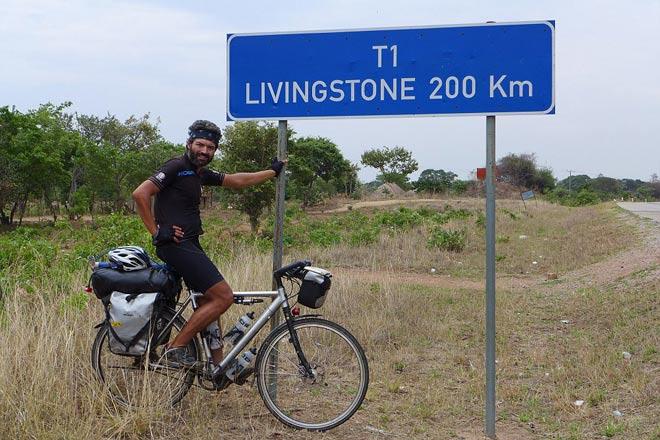 Tay đua vĩ đại: Hạ cướp, xuyên bom đạn vượt 18.000km bằng... xe đạp - 9