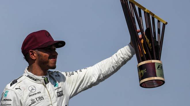 """Đua xe F1: """"Viên ngọc đen"""" chói sáng và Grand Slam thứ 4 - 1"""