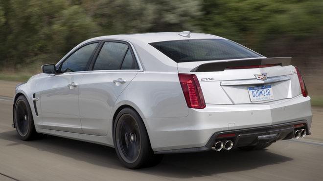 Cadillac CTS-V Carbon Black Edition có giá 3 tỷ đồng - 3