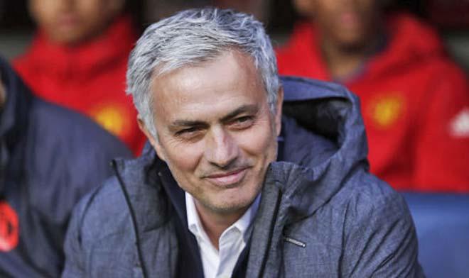 Chuyển nhượng MU: Mourinho nhắm 25 cầu thủ, rút xuống còn 3 - 1