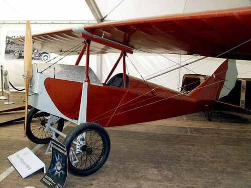 Những chiếc máy bay đầu tiên ở Việt Nam - 1