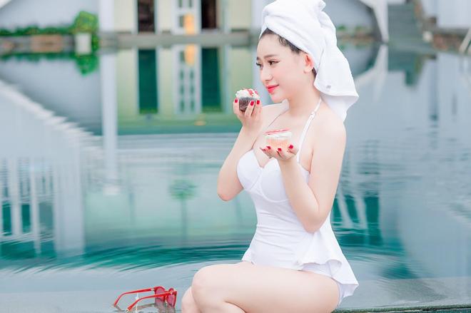 """Vợ cũ Hồ Quang Hiếu khiến cả hồ bơi """"điêu đứng"""" vì đường cong tuyệt mỹ - 5"""