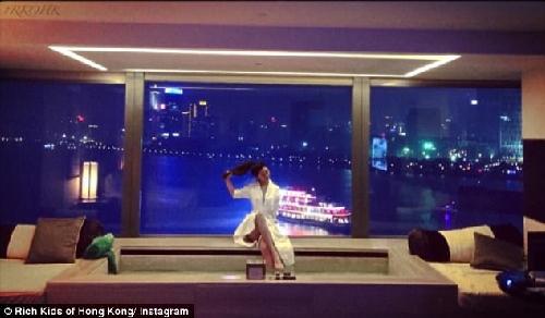 Con nhà giàu Hồng Kông khoe ảnh sống xa hoa, sang chảnh - 13