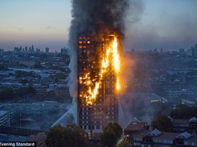 Hình ảnh ghê sợ bên trong chung cư London bị lửa thiêu - 6