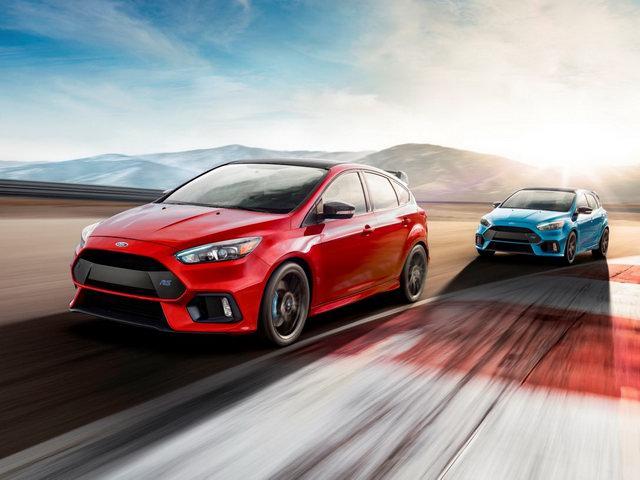 Ford Focus RS 2018 có giá 953 triệu đồng