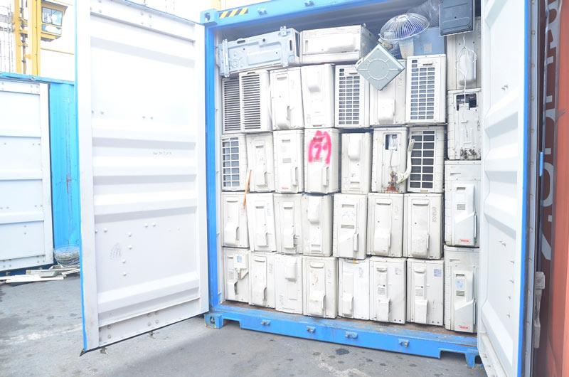 """3 container chứa """"rác thải"""" được nhập từ nước ngoài về Việt Nam - 3"""