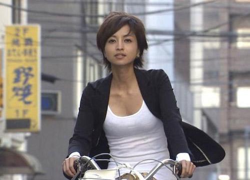 Sốc: Mỹ nhân Nhật già như bà lão 60 vì ham thẩm mỹ - 2
