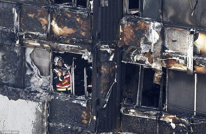 Vụ cháy nhà lớn nhất lịch sử Anh: Như thể lửa địa ngục - 1