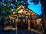 Tài chính - Bất động sản - Giữa trung tâm Hà Nội có ngôi nhà tre truyền thống đẹp thế này sao?