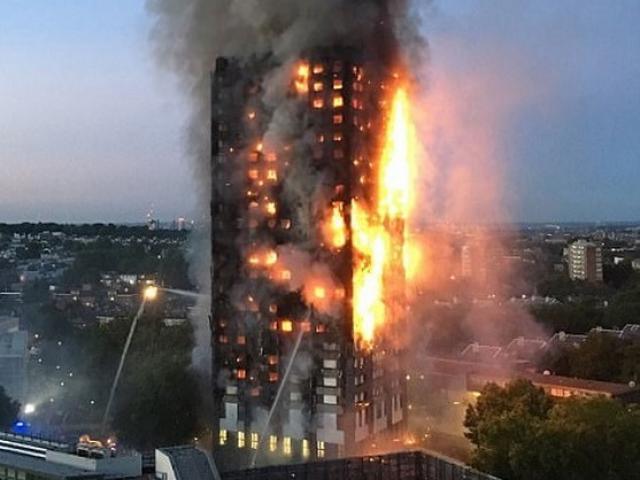 Vụ cháy kinh dị ở Anh: Cứu cả nhà bằng cách làm ngập sàn